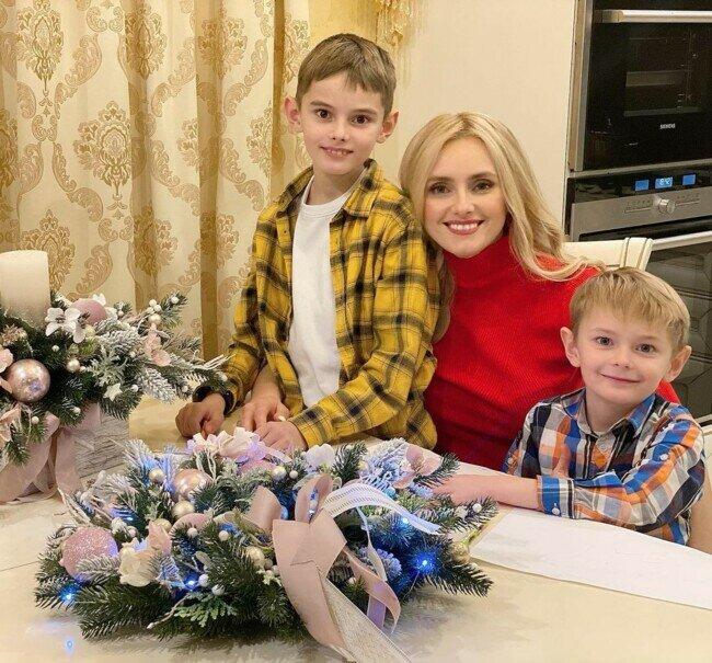 Ирина Федишин с сыновьями Юрием и Олегом