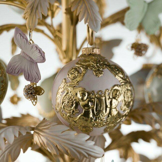 Украшение-бабочка с камнями Сваровски