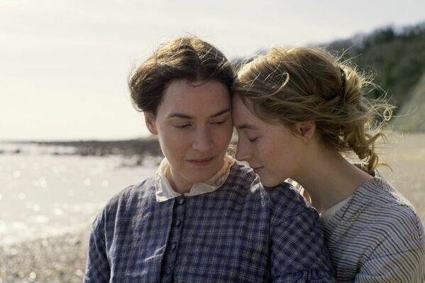 Кадр из фильма Аммонит