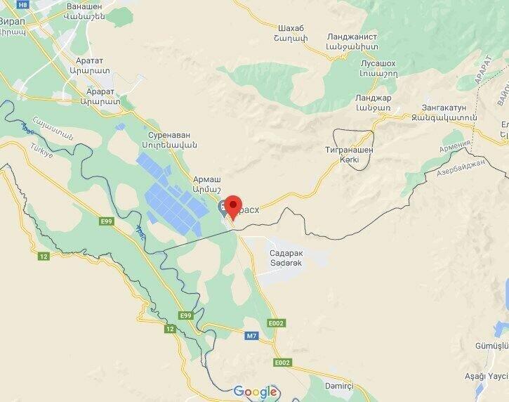 Вертолет упал в районе Ерасха.