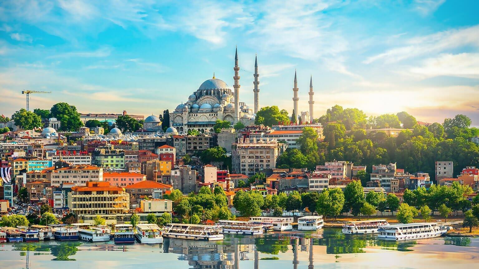 Турция отменила ПЦР-тесты для туристов из Украины