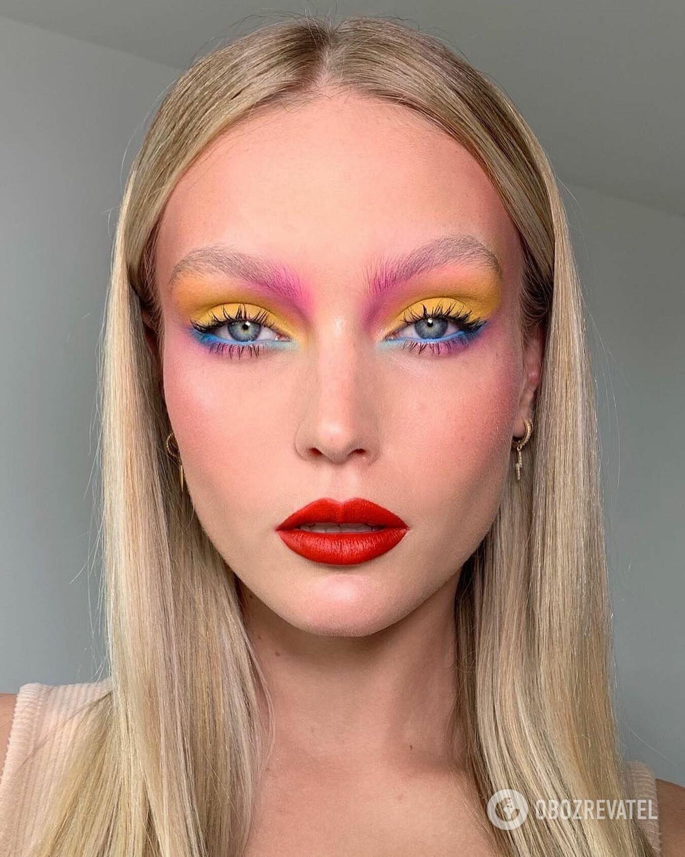 Тренд в макияже на лето 2021 – цветные тени