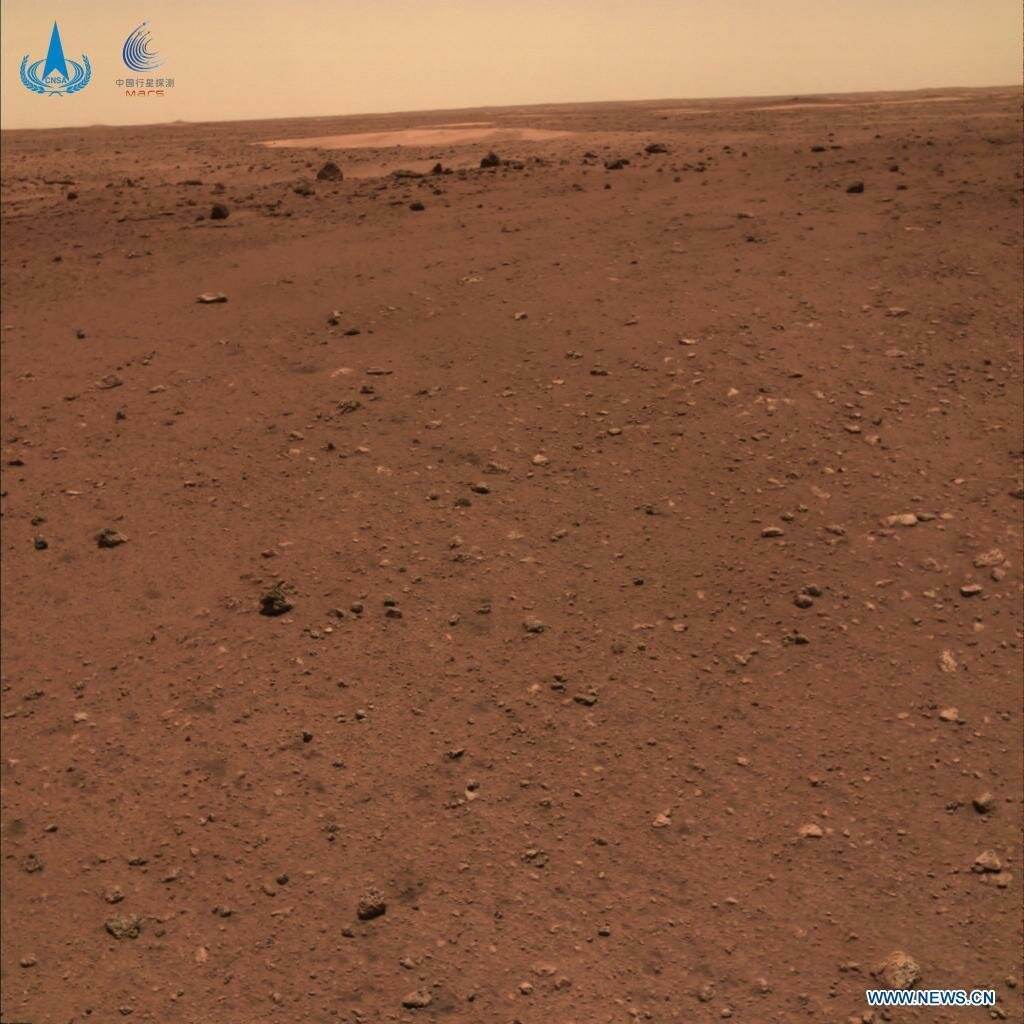 Поверхня Червоної планети на фото від Zhurong
