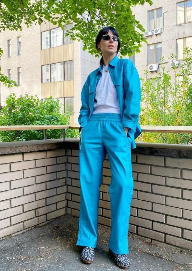 Маша Ефросинина любит носить яркие оттенки.