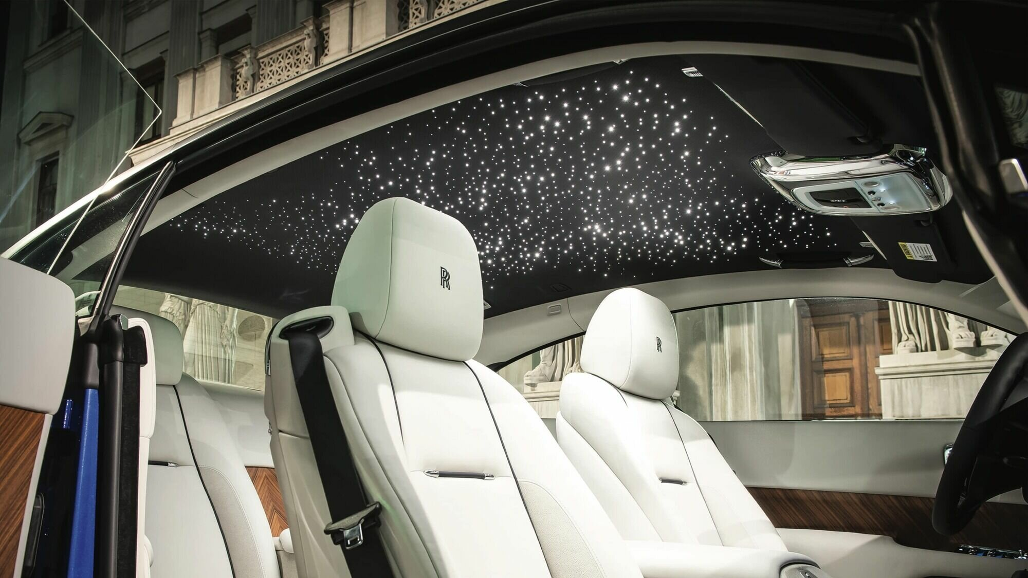 Потолок в салоне Rolls-Royce