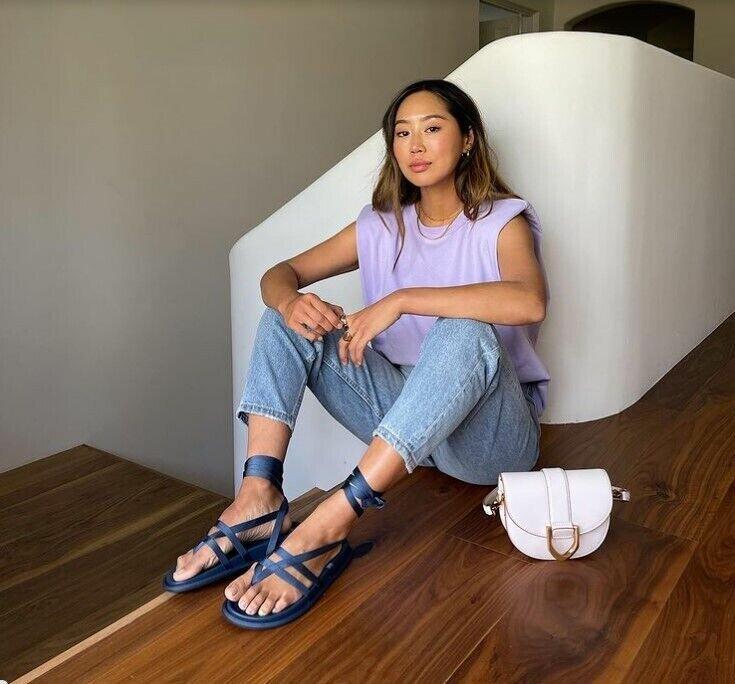 Вьетнамки снова в моде.