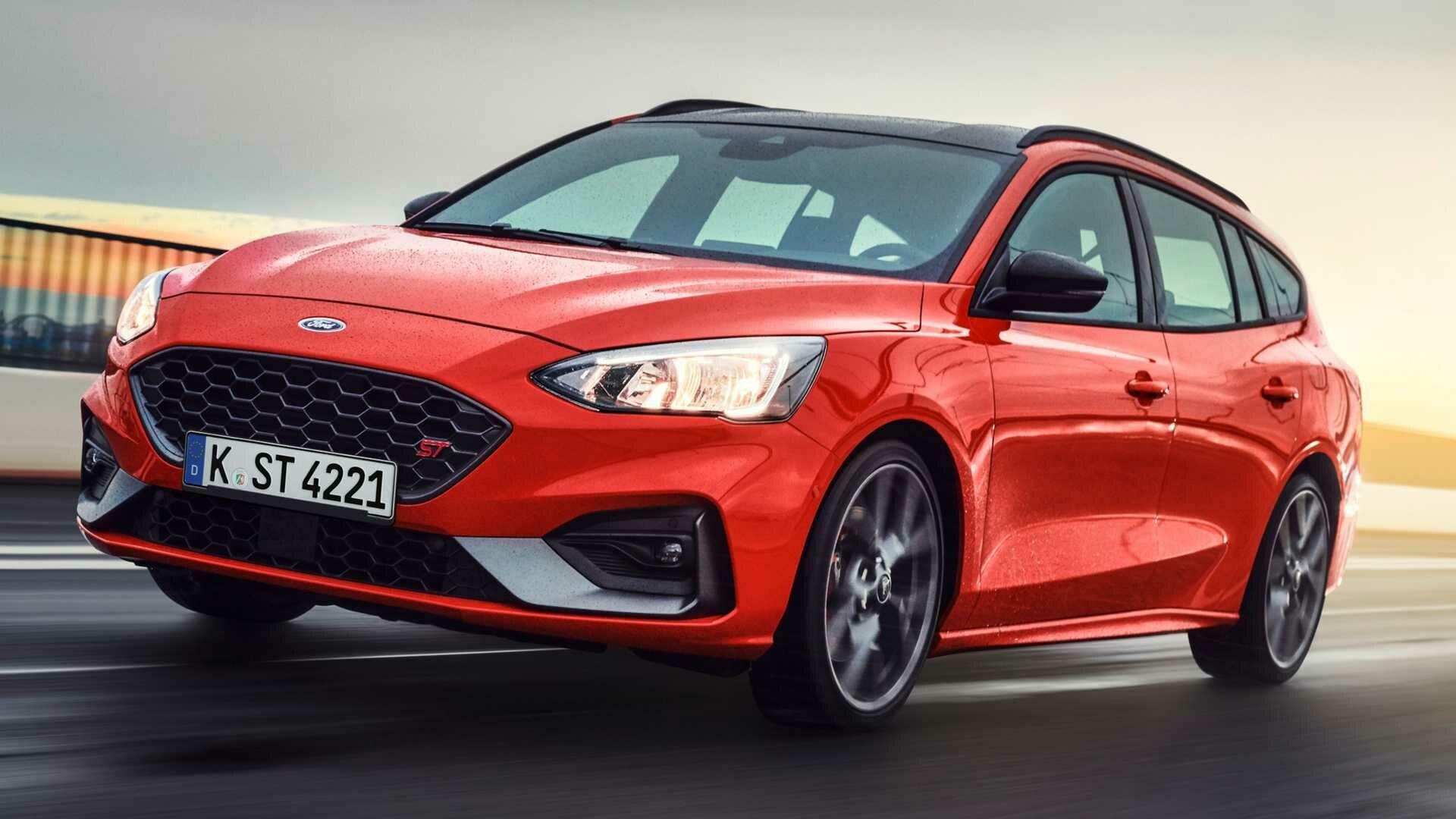 Ford Focus ST – безопасный, просторный и экономичный автомобиль