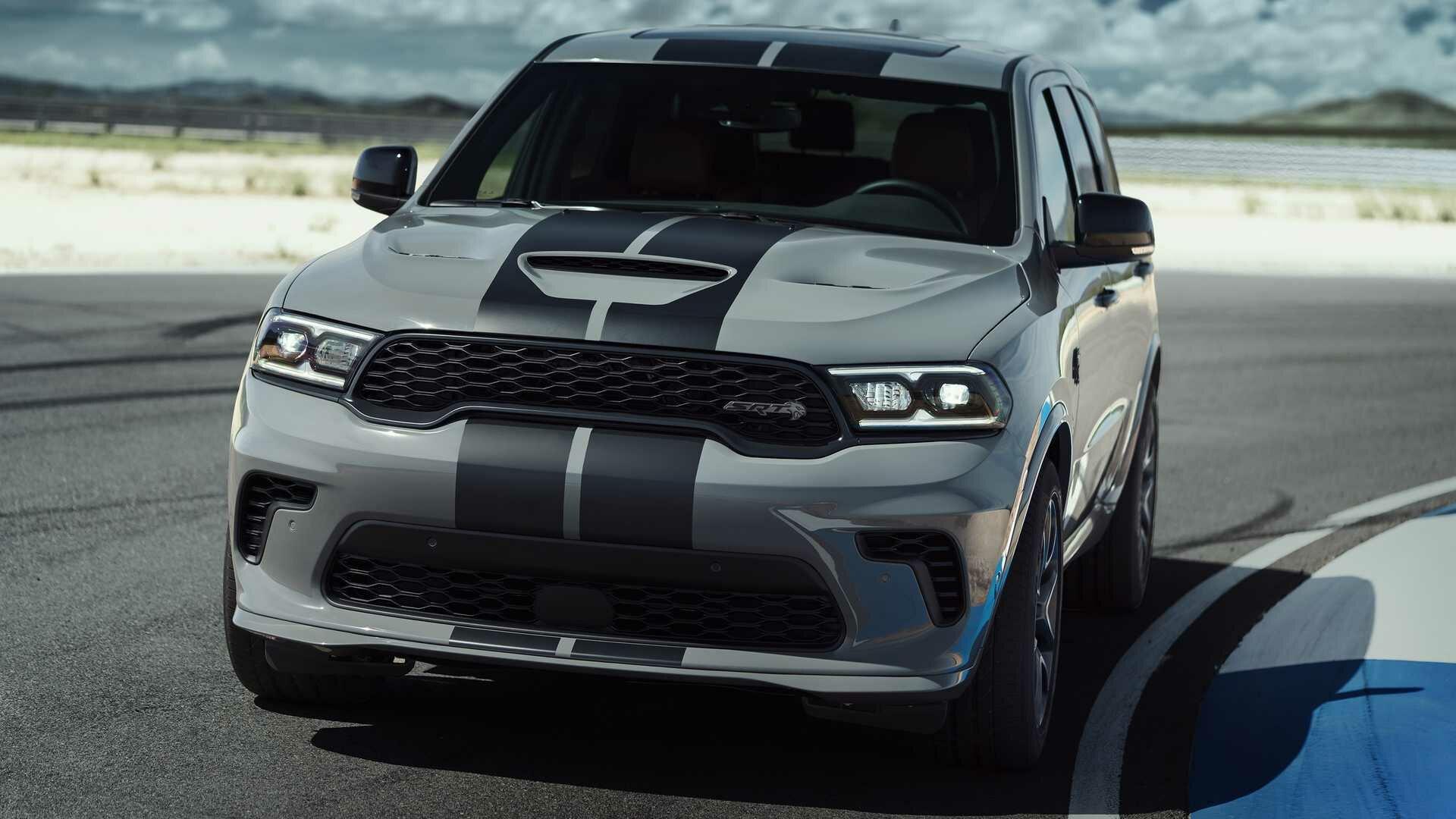 Dodge Durango Hellcat – уникальный трехрядный внедорожник