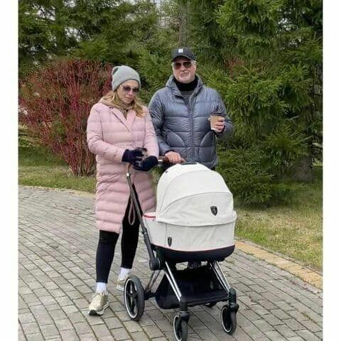 У пари нещодавно народилася донька