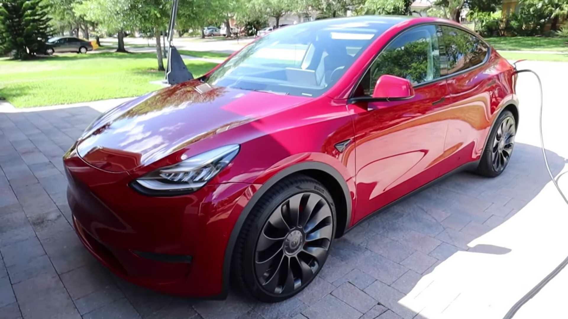 Tesla Model Y Performance – лучший семейный быстрый автомобиль