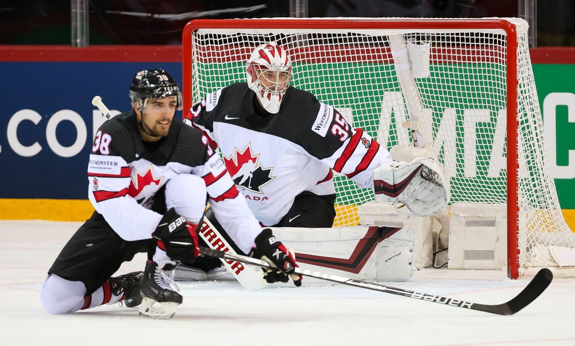 Канада выиграла у россиян 2:1.