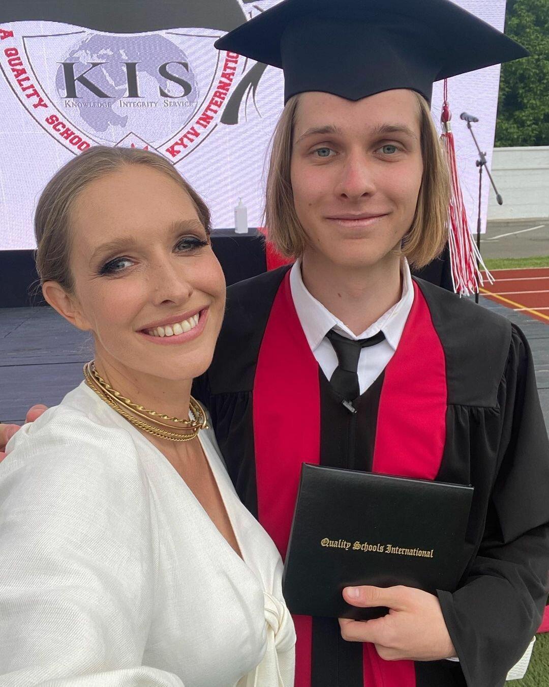 Катя Осадчая показала 19-летнего сына Илью