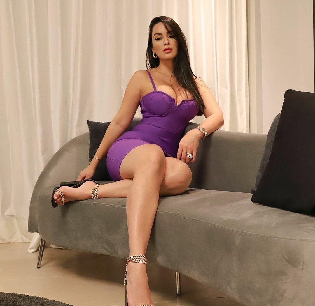 Наталия Феликс в платье