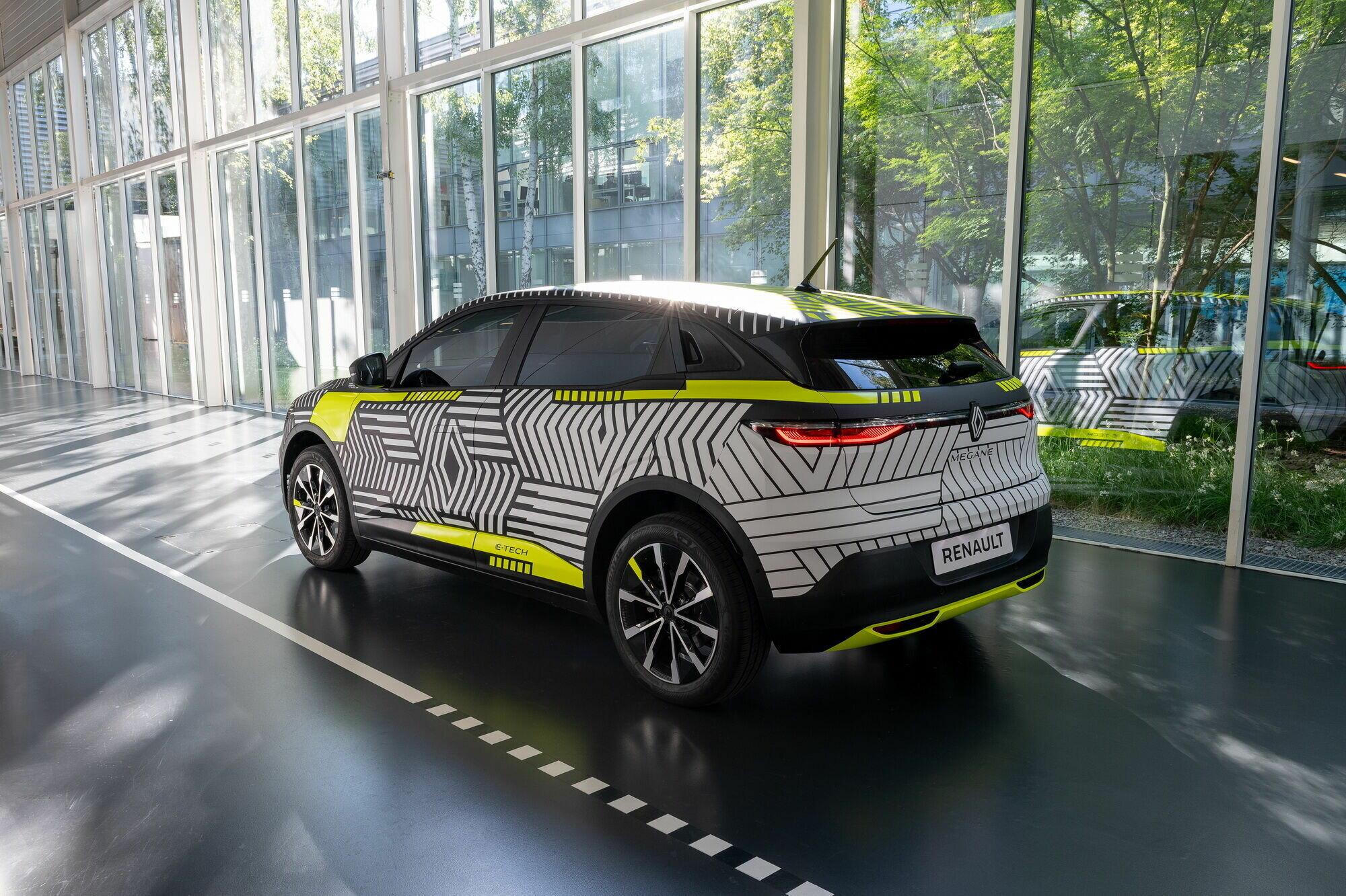 Автомобиль получит мощный электромотор на 217 сил