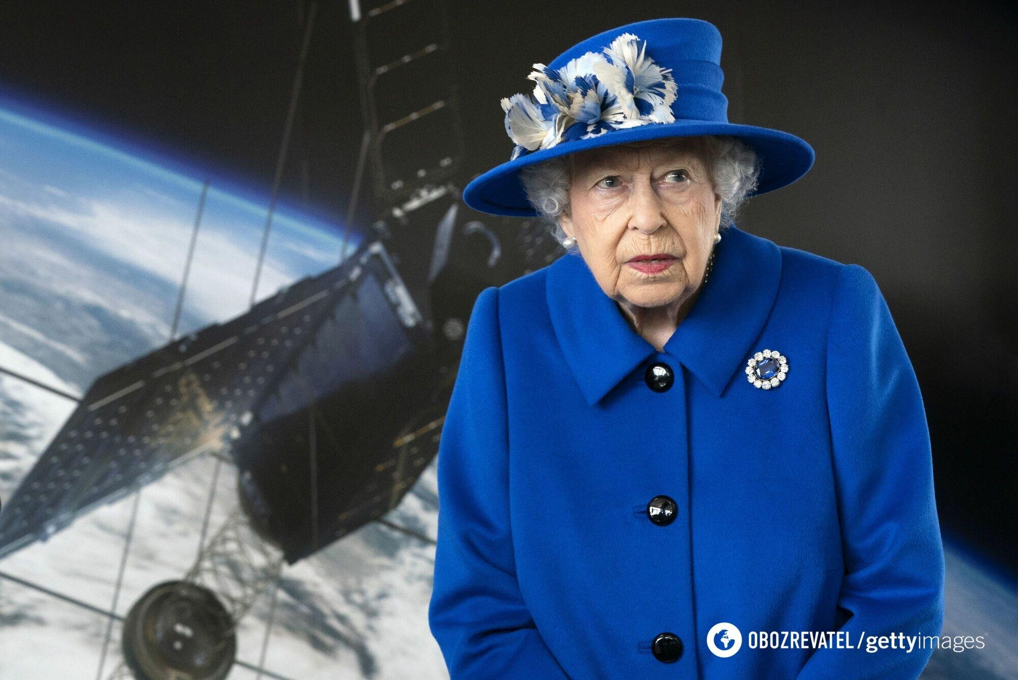 Королева показала стильный наряд