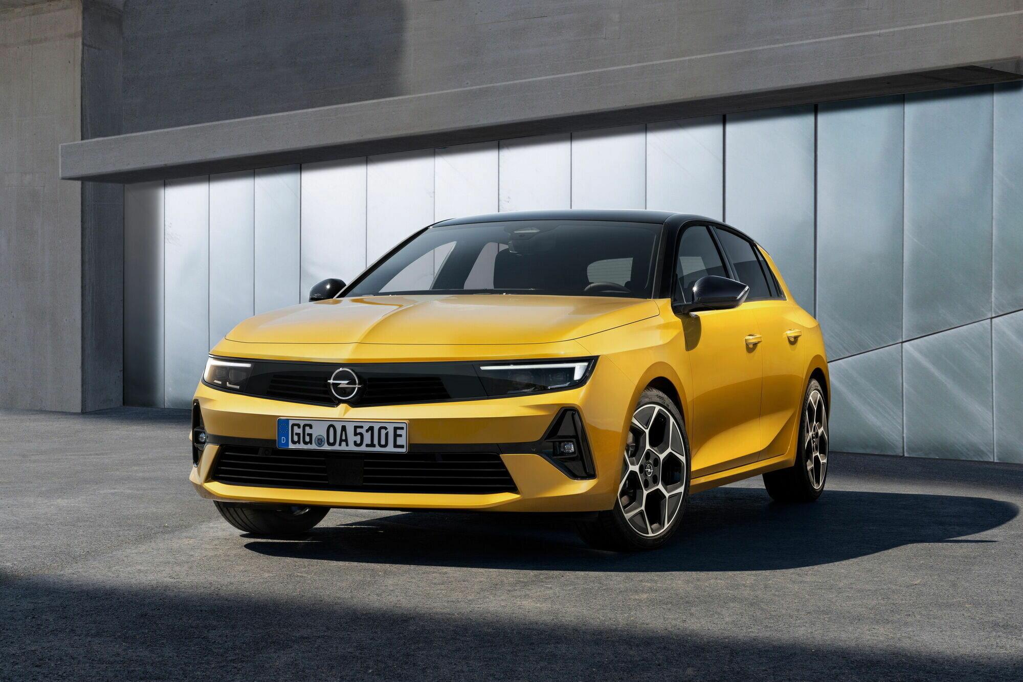 Astra получила привлекательны дизайн в новой стилистике бренда Opel Vizor