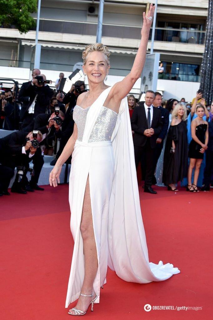 Шерон Стоун блистала на красной дорожке фестиваля в платье от Dolce & Gabbana