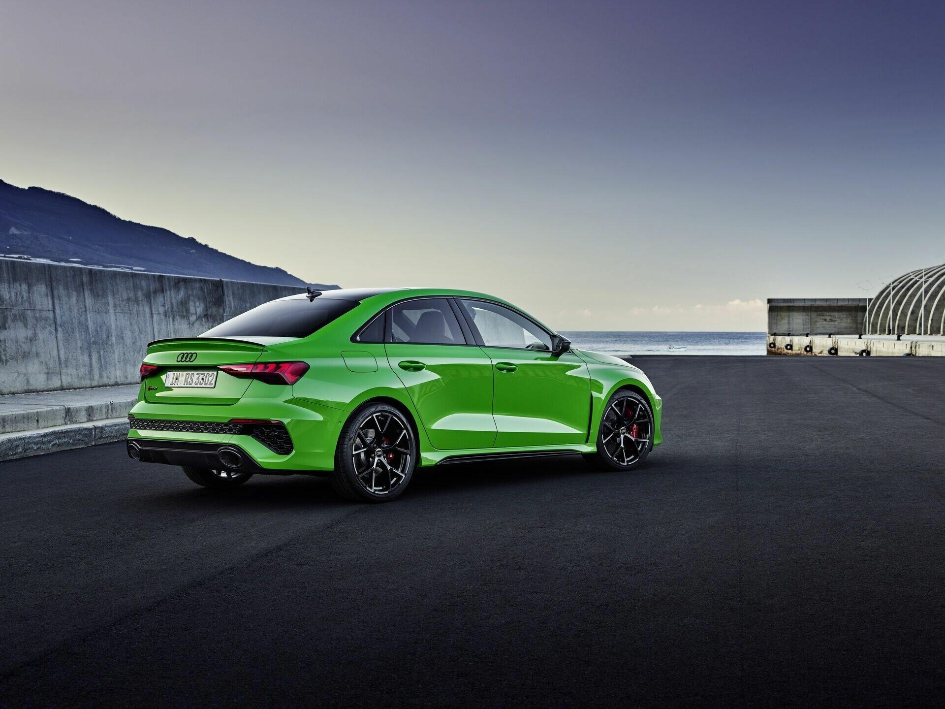 Audi RS 3 оснащен 400-сильным бензиновым турбомотором