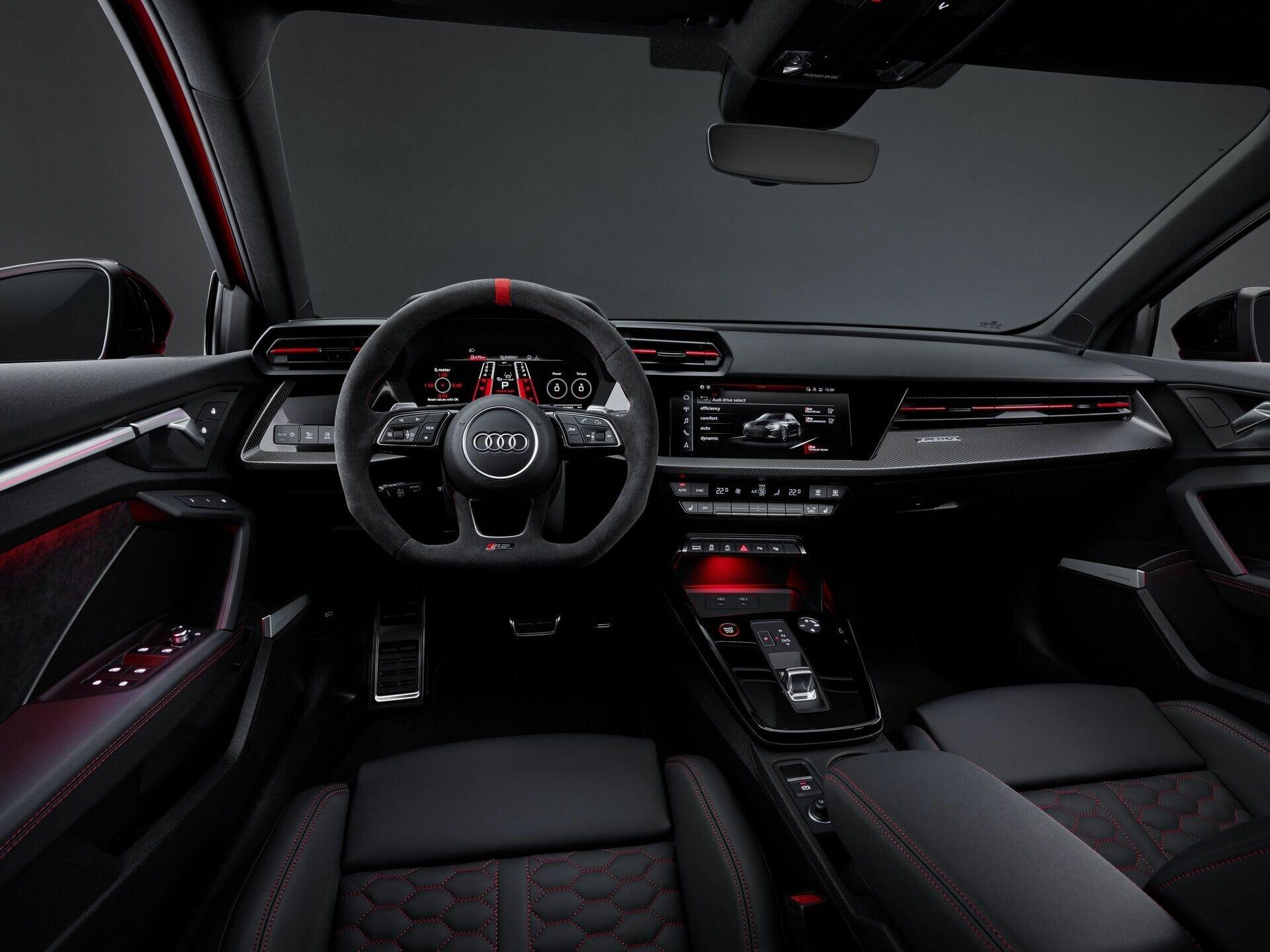 Салон Audi RS 3 Sportback