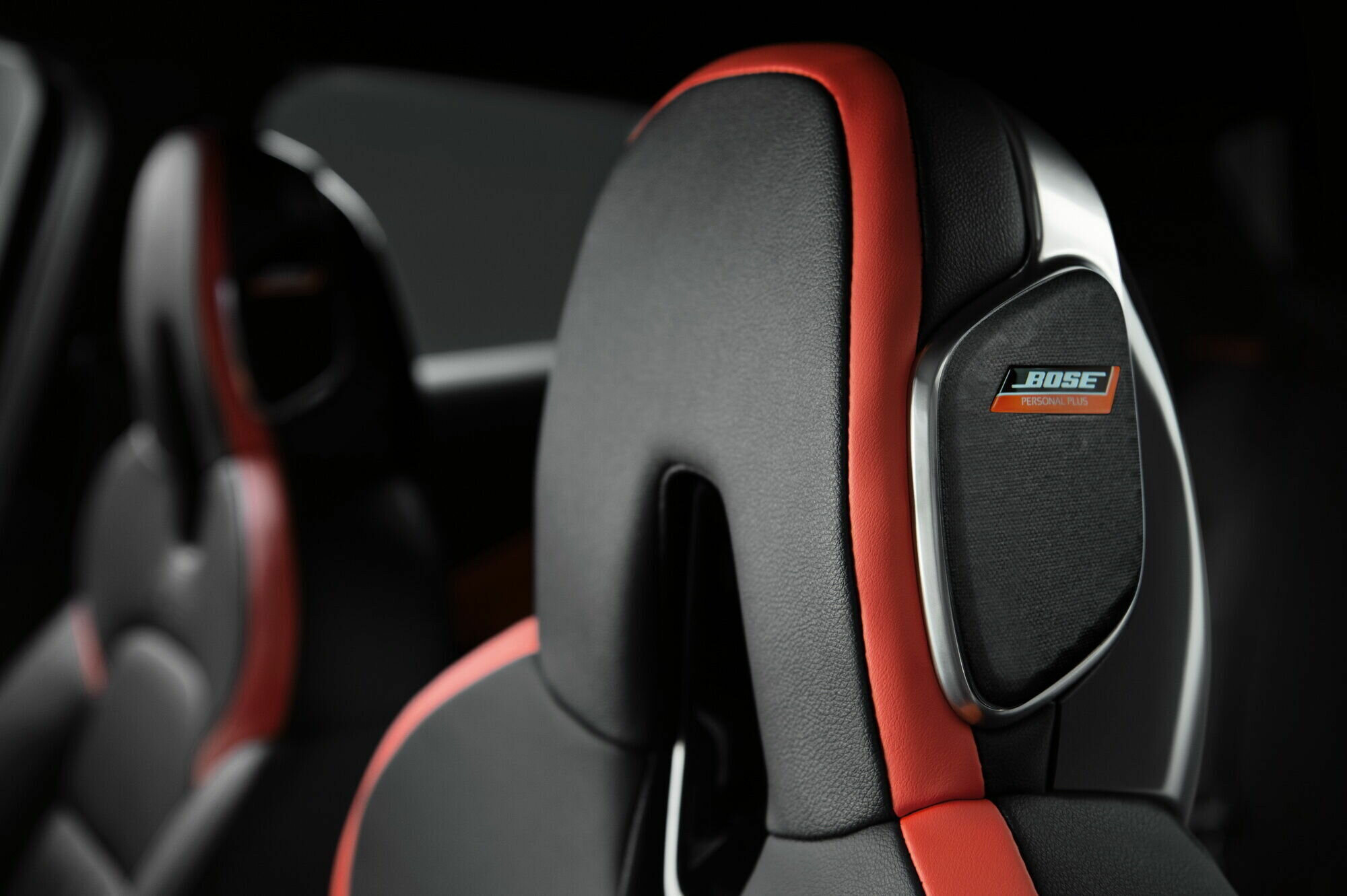 Меломаны смогут оценить инновационную акустическую систему Bose Personal Plus