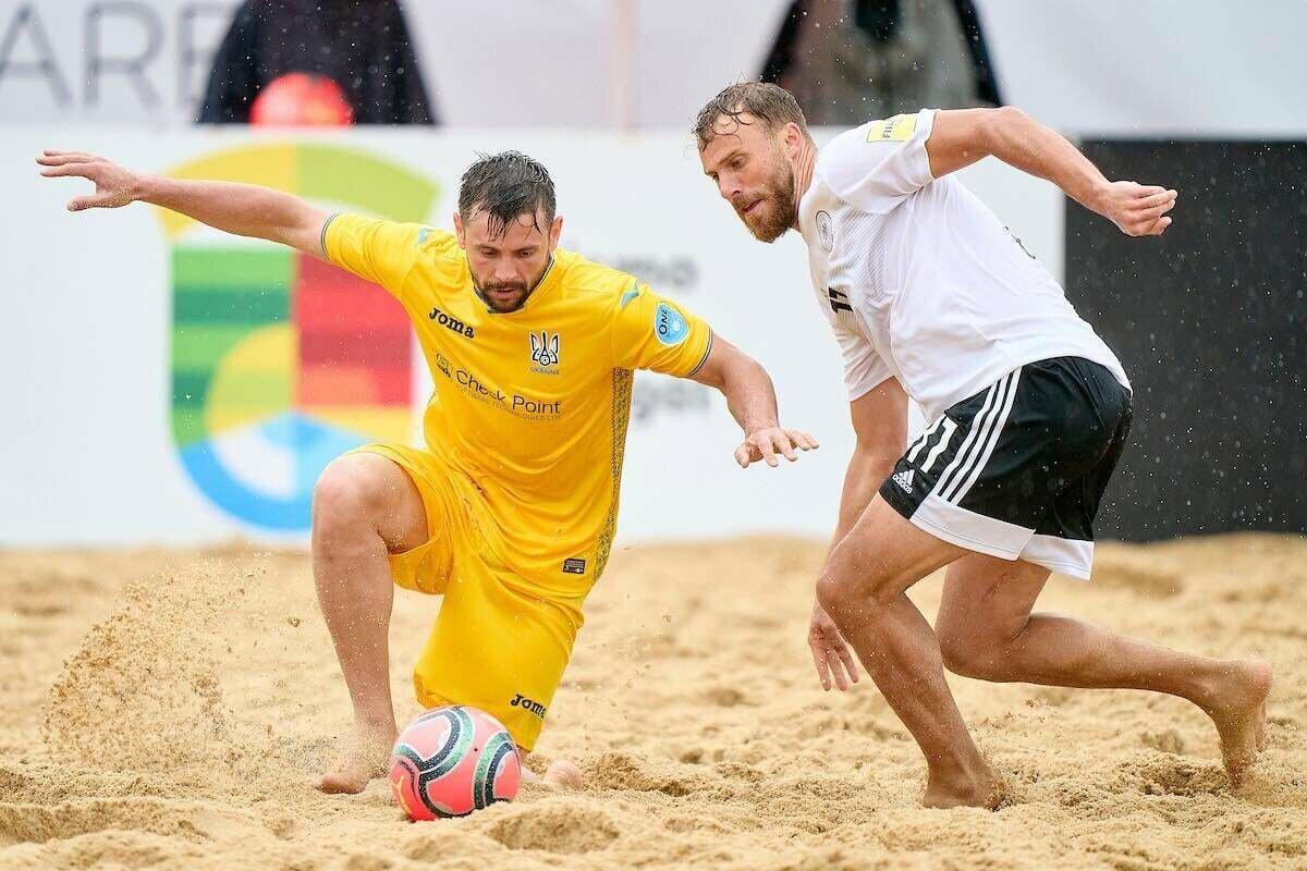 Сборная Украины по пляжному футболу заняла второе место в европейской квалификации