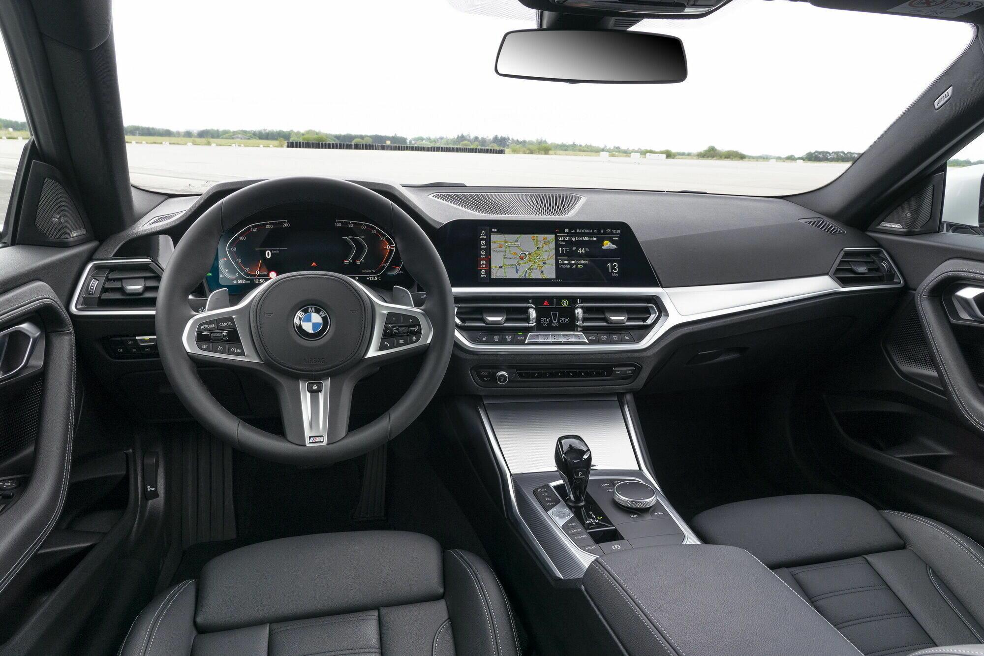 Салон нового поколения BMW 2 Series