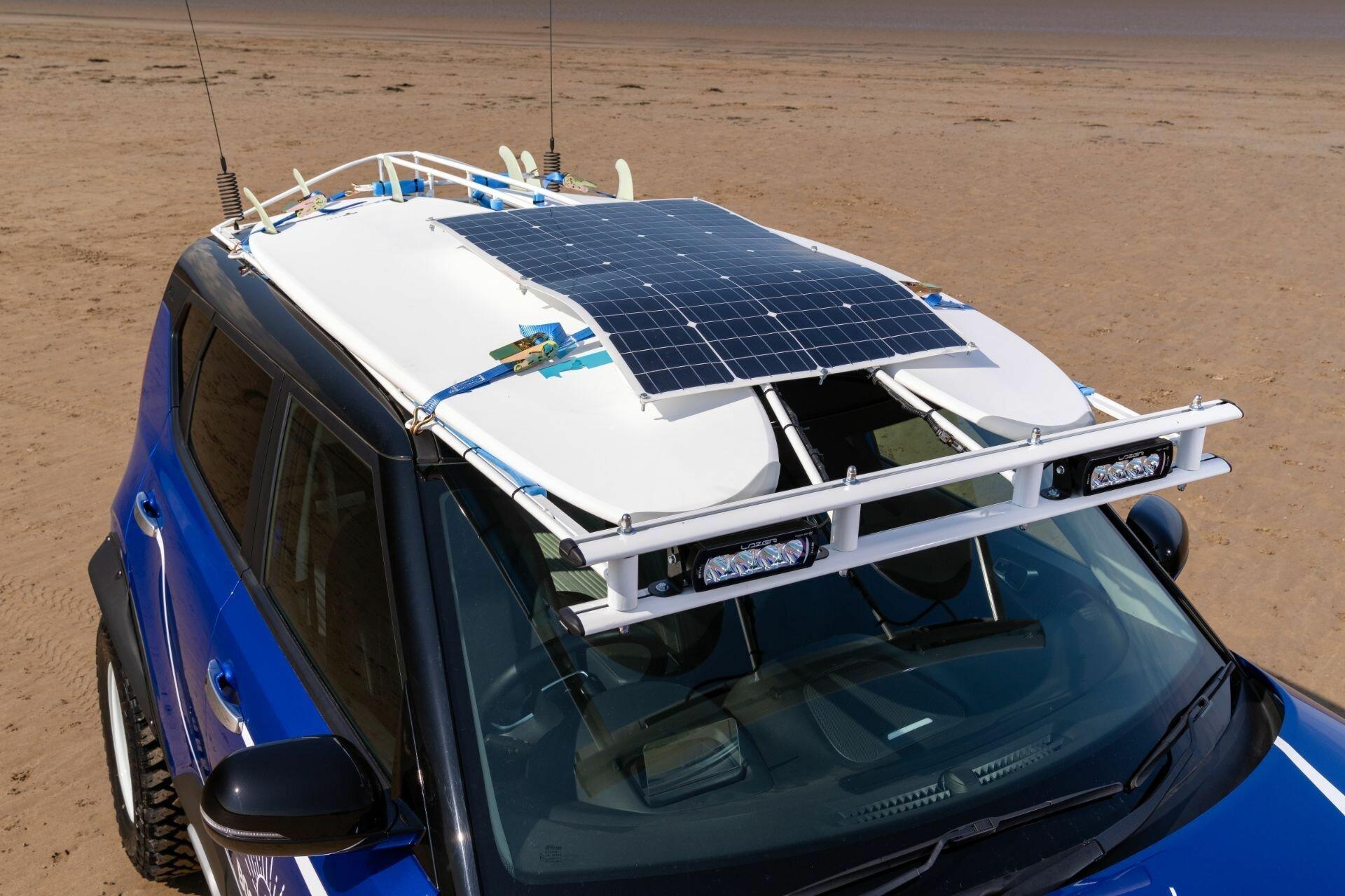 Солнечная батарея на крыше может использоваться для питания холодильника, а также других потребителей