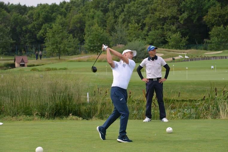 Андрей Шевченко состоит в пяти гольф-клубах.