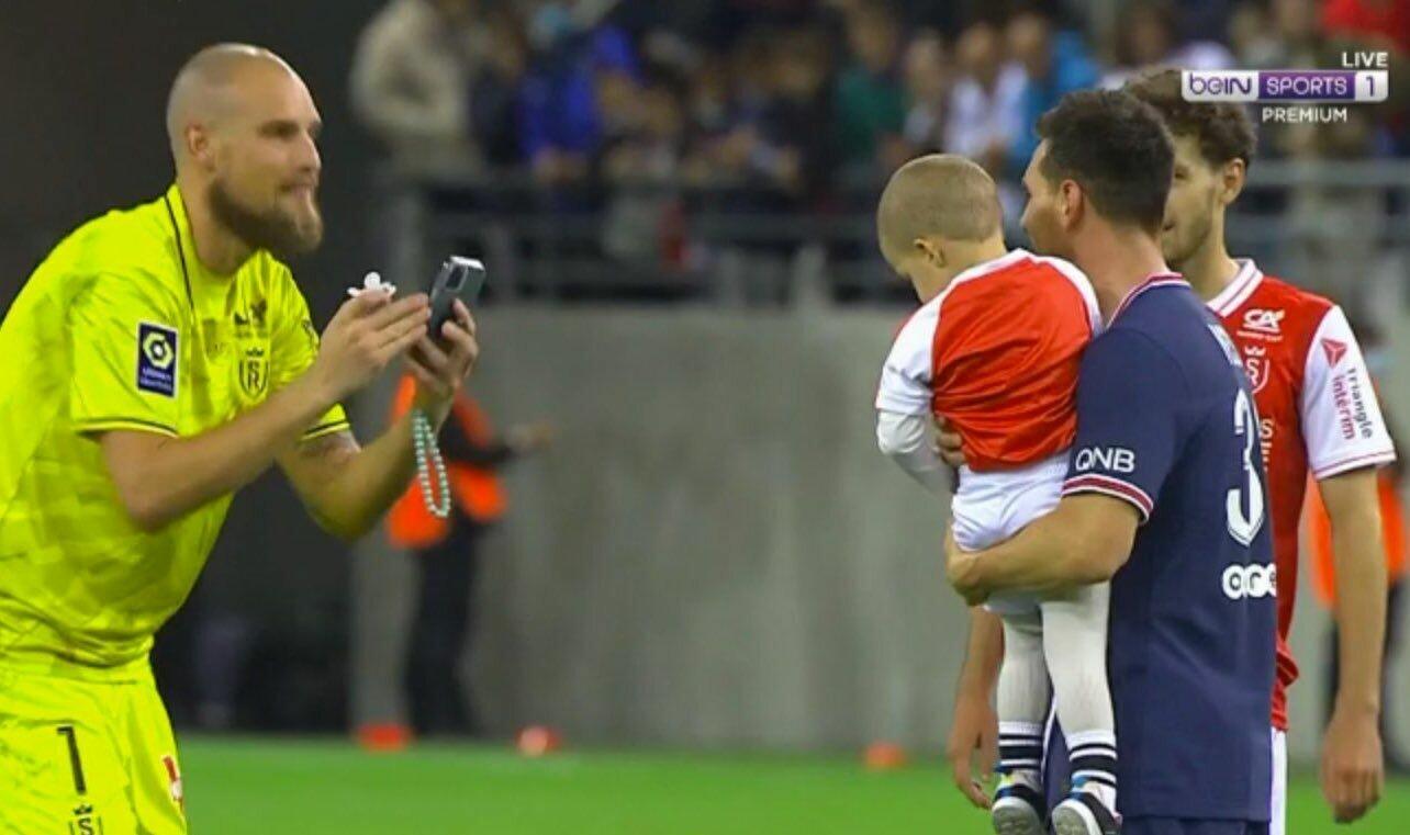 Райкович фотографирует сына и Месси
