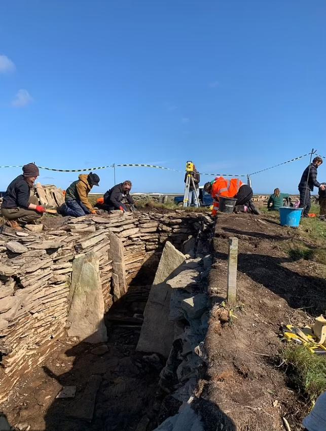 Розкопки в гробниці Оркнейських островів