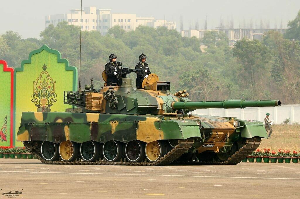 1280px-Bangladesh_Army_MBT2000._39072813
