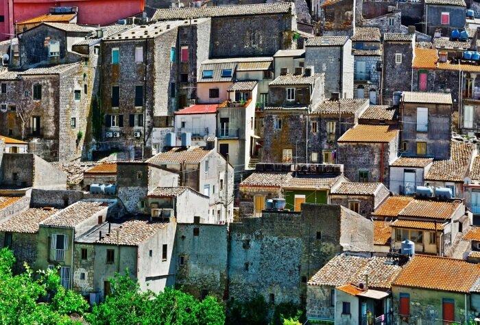 Старинные города Италии под угрозой вымирания. | Фото: bigpicture.ru.