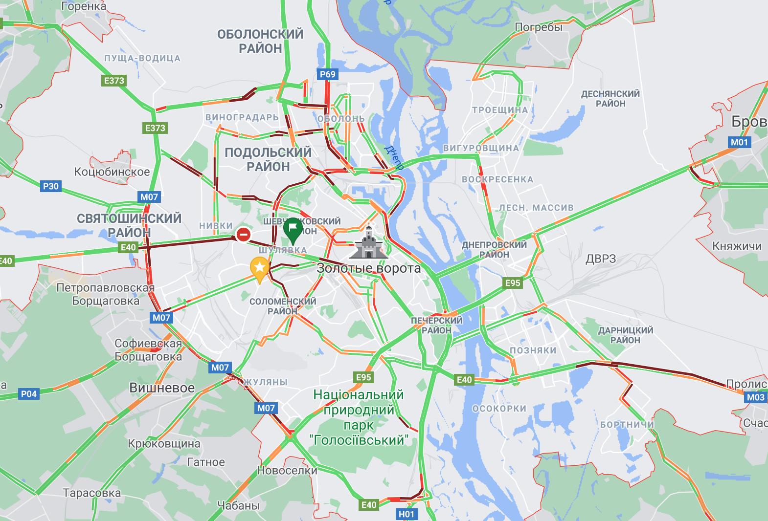 Сбой в графике. Транспорт в Киеве из-за ливня курсирует с опозданием
