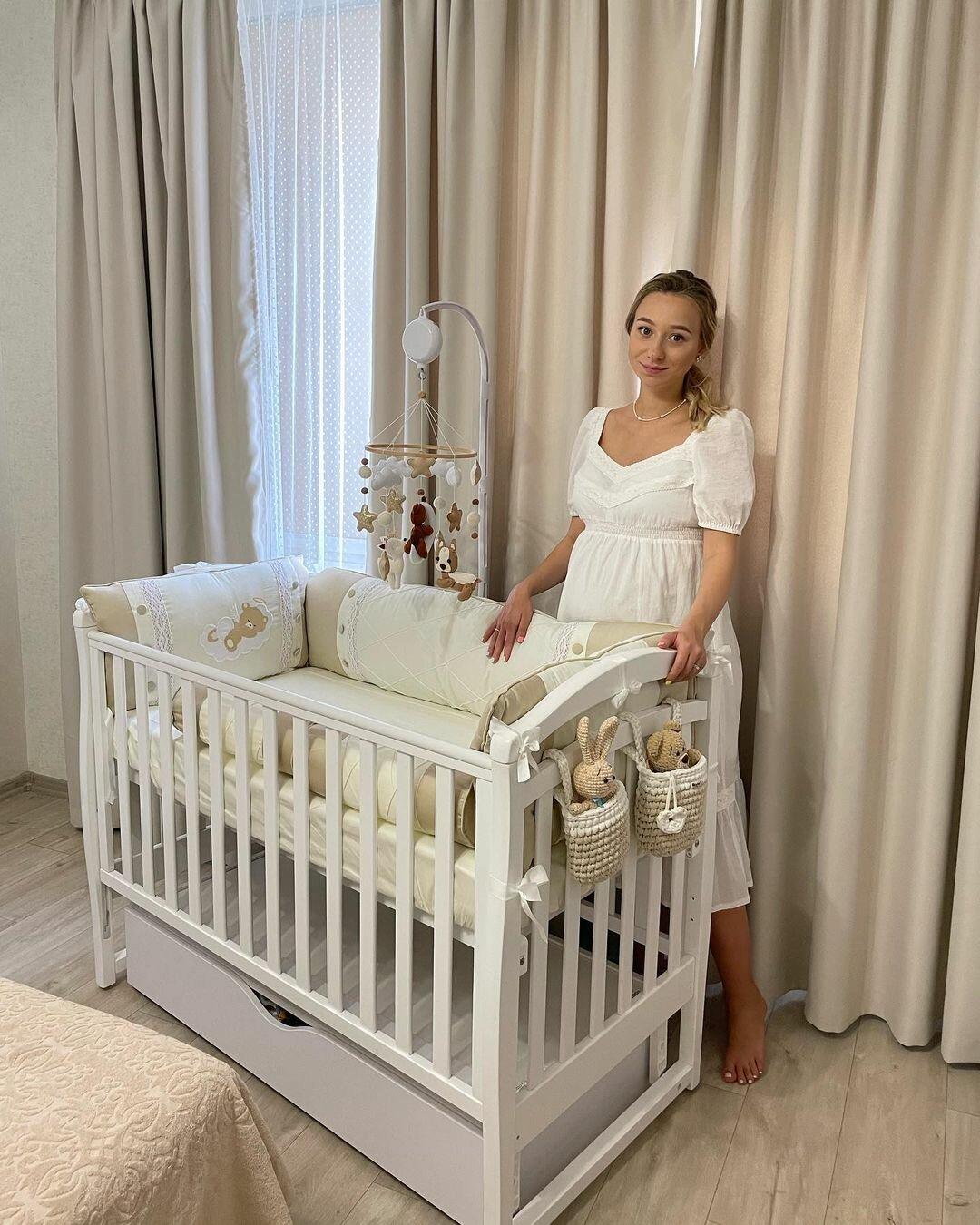 Беременная жена Виктора Павлика показала, какую детскую подготовила для сына (фото)