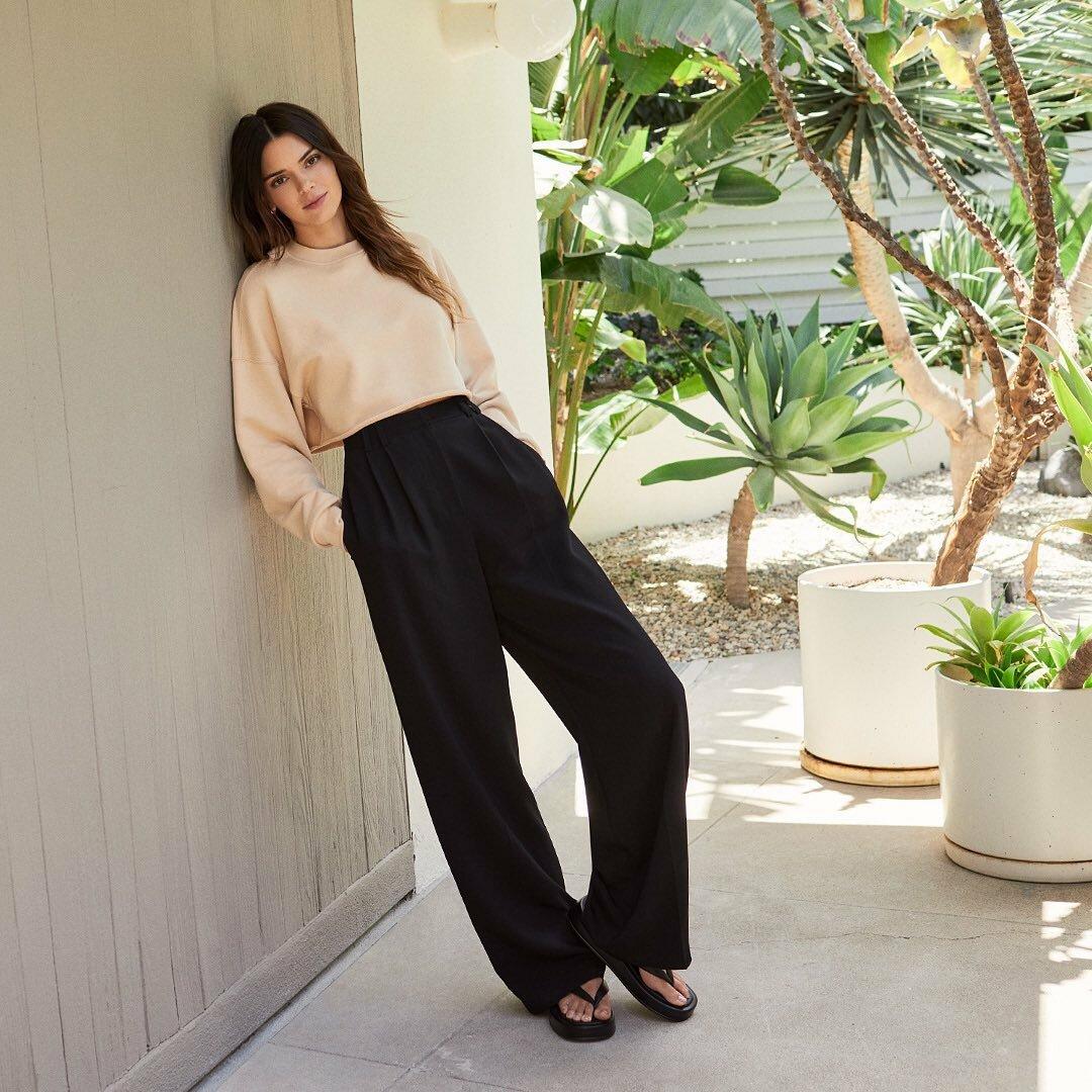 Терміново повторити: Кендалл Дженнер демонструє 8 модних образів літа 2021