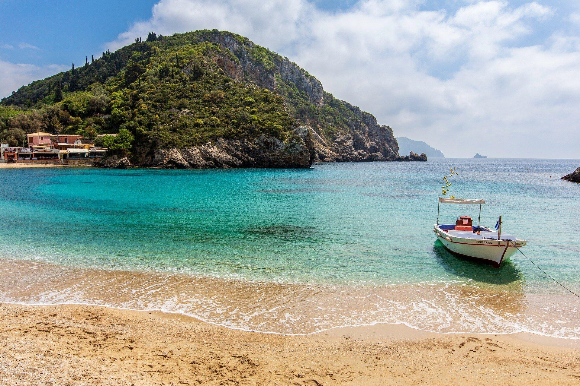 Билет к теплому морю: лучшие страны для комфортного отпуска в июне