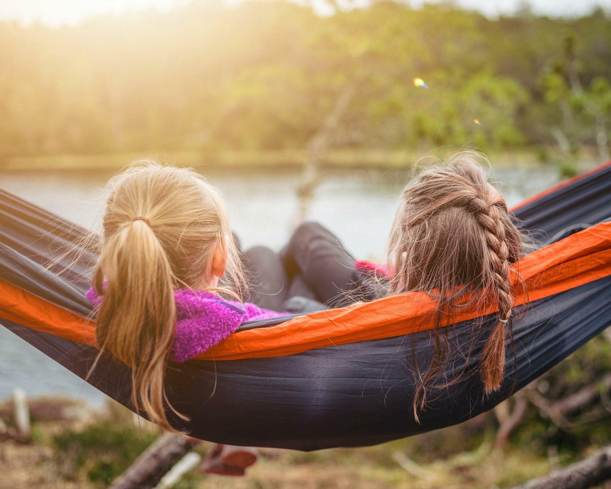 Новые правила и ПЦР-тесты: к чему готовиться, выбирая летний лагерь для отдыха ребенка
