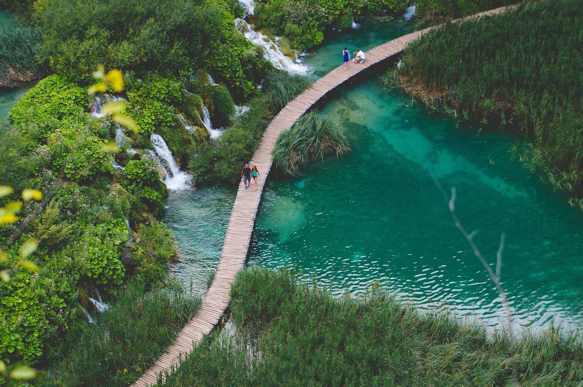 Пляжи, замки и озера: сезон отдыха в Хорватии начался с большими скидками на путевки
