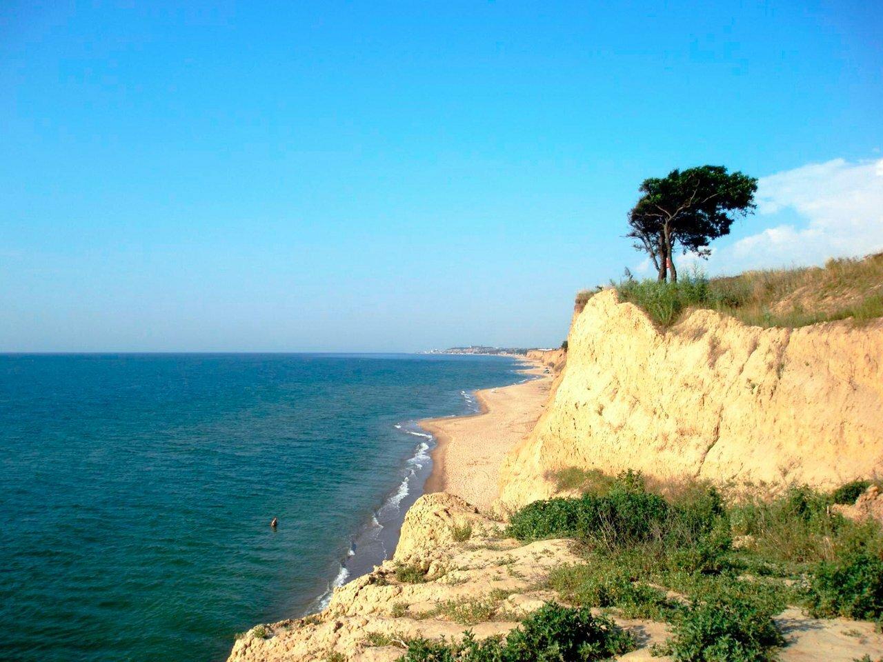 Чистые безлюдные пляжи: малоизвестный курорт под Одессой удивляет туристов
