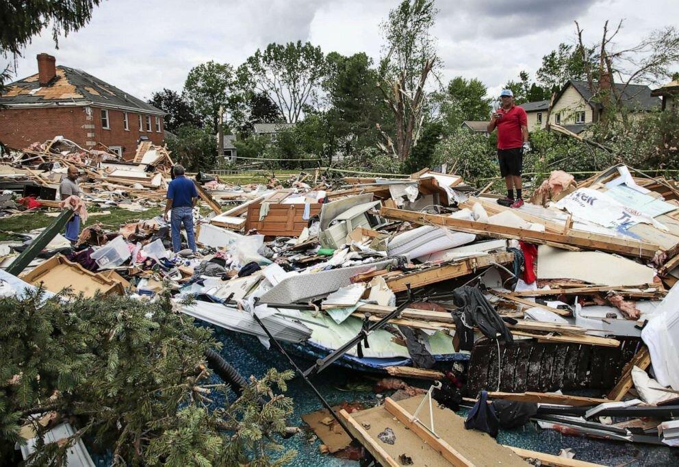 tornado-damage-illinois-ss-jt-210621_162