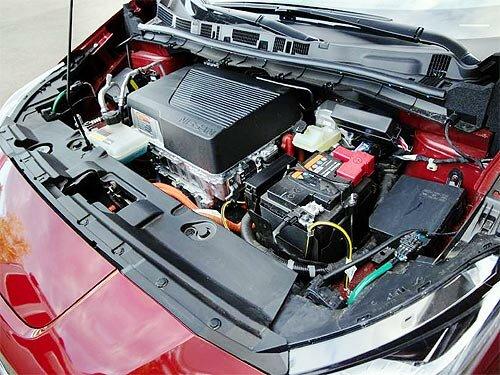 В Україні стартували офіційні продажі Nissan LEAF - Nissan