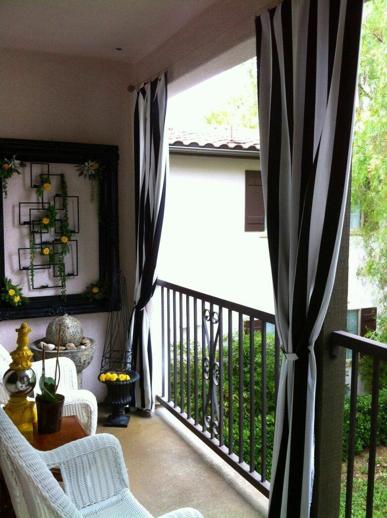 1596567692_17-p-shtori-na-balkon-dizain-