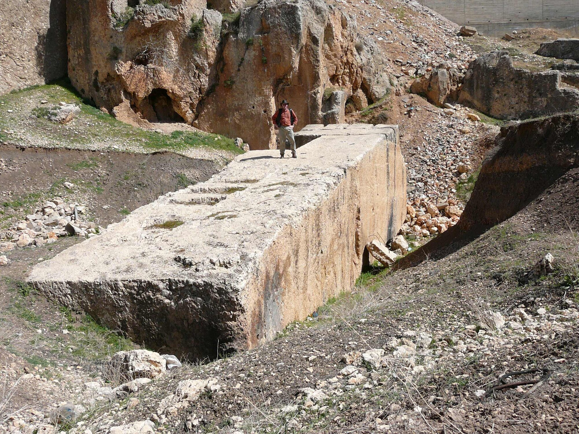 Baalbek-_largest_stone.jpg