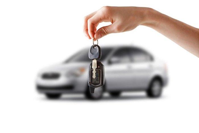 Кабмин ликвидирует справку-счет при регистрации авто (обновлено)