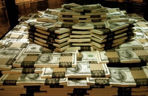 На аукционе доллар дорожает