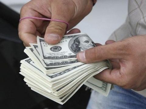 Доллар упал до уровня 19,5