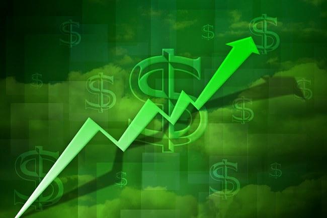 Доллар неудержимо движется к 16 грн
