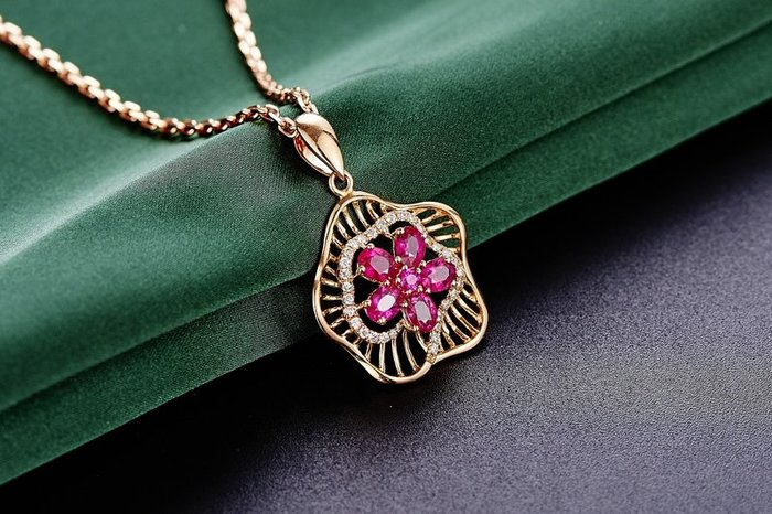Храните деньги в ювелирных изделиях из золота, серебра или платины