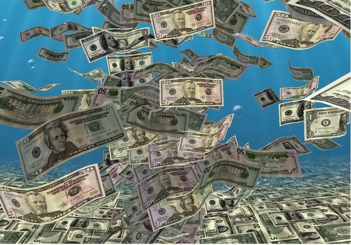 Спрос на валюту повышает цены