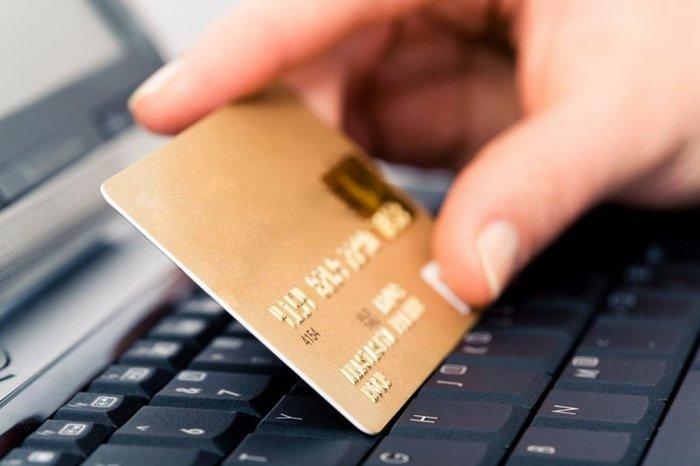 Как вернуть деньги, снятые с карты мошенником